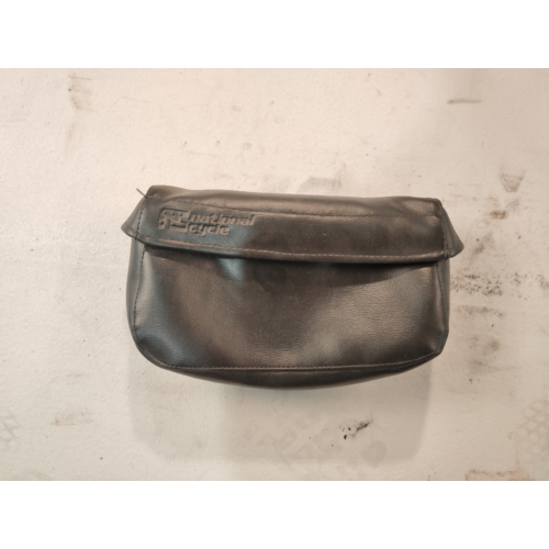 Szélvédő táska (használt)