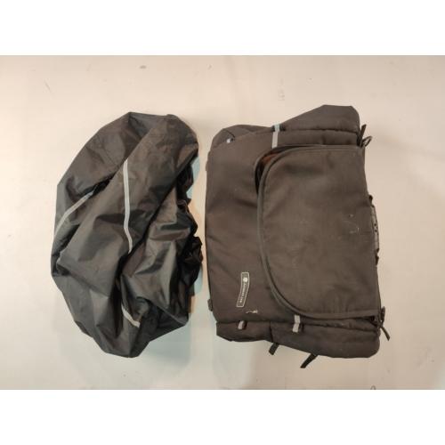 Túra táska 40L vizhatlan takaróval (használt)